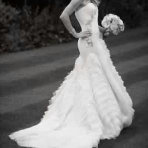 110113  - Vera Wang Wedding Dress -   Size 12 - Ivory