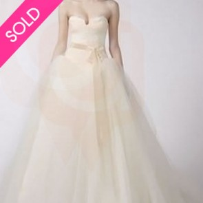 12709 - Vera Wang Wedding Dress - SIZE 10 - IVORY