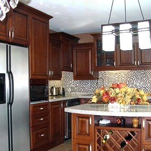 Kitchen Cabinets - Chesnut Glaze