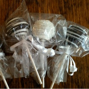 Cake Truffles and Cake Pops