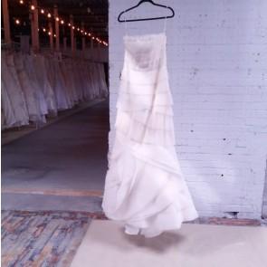 FAIRY DUST - Vera Wang Wedding Dress - Size 10 - Ivory