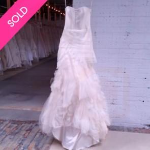 110413 - Vera Wang Wedding Dress -  Size 10 - Ivory
