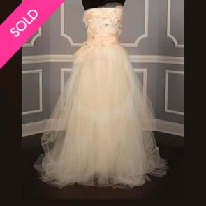 110811/26934-1 - Vera Wang Wedding Dress -    Size 8 - Ivory