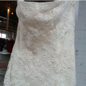12029 /26924-1  - Vera Wang Wedding Dress -   Size 16 - Ivory